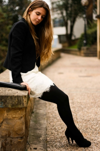 Accessoiriser robe blanche en hiver