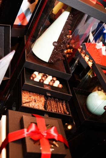 The Sweet Christmas collection is ready at Pierre Marcolini