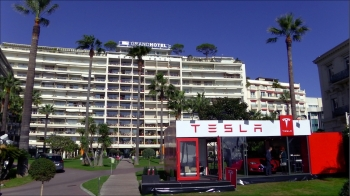 Ephemeral Tesla Showroom at Grand Hôtel, Cannes