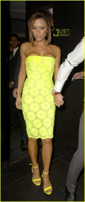 Must have trends - Neon fashion is back