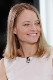 Kering & Festival de Cannes invite Jodie Foster to open the Women in Motion edition