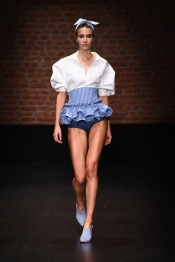 Holographic, striped and transparent collection for Sudi Etuz