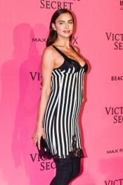 Irina Shayk, pregnant on Victoria's Secret Show in Paris