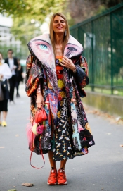 Anna Dello Russo Sells Her Clothes For Charity