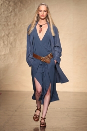 La collection de mode Donna Karan Printemps 2014