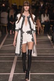 Givenchy Printemps 2015 a la Fashion Week Paris
