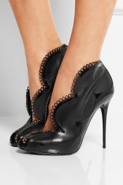 ALEXANDER MCQUEEN Scalloped patent-trimmed leather pumps
