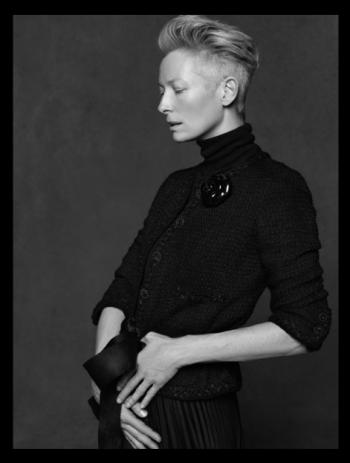 La Petite Veste Noire De Karl Lagerfeld Et Carine Roitfield