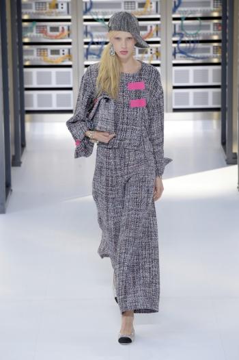 d94048e284 Chanel RTW Spring 2017 at Paris Fashion Week