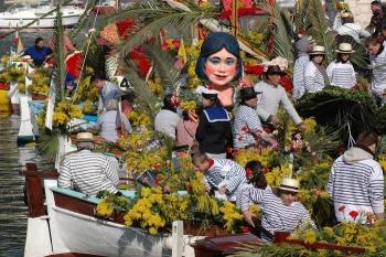 Combat naval fleuri au Villefranche sur Mer