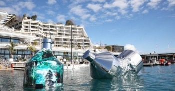 The Twin Bottles art presented in Monte-Carlo