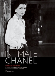 Must read book for all fashionistas - Intimate Chanel