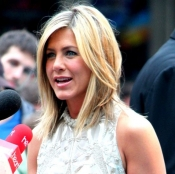 Jennifer Aniston's new coiffure
