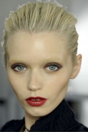 In style trends - Yves Saint Laurent SS 12 hairstyle trend