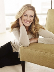 Julia Roberts supports Genes Day by Lancome