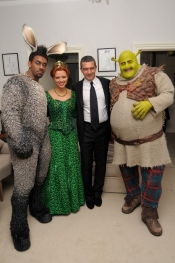 Antonio Banderas and Shrek for the Puss in Boots promotion