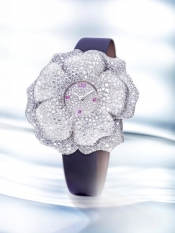 The extraordinary luxury watch La Rose