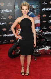 Scarlett Johansson in Versace dress at The Avengers premiere