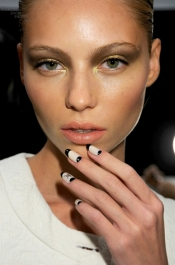 Beauty tips and trends - Ruffian & MAC Lipsticks & Press-On Nails Summer 2012