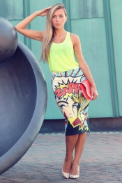 Street style trend: hype, pop art Roy Lichtenstein skirt