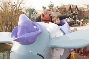 A magic weekend for Kevin Costner and his family at Disneyland Paris