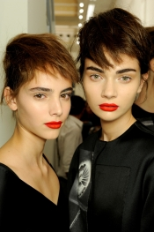 Latest fashion trends: SS 2013 Runways and the beauty looks