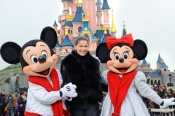 A glamour Christmas at Disneyland Paris with Laetitia Casta and Florence Foresti