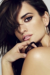 Celebrities and fashion - Penélope Cruz's New Lingerie Line