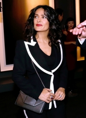 Salma Hayek at the Boucheron exposition with the artist Hiroshi Sugimoto