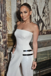 Jennifer Lopez, front row at Atelier Versace Fashion Show