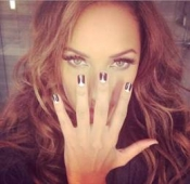 Leona Lewis Nailed It with black & white Manicure at the GRAMMY Awards