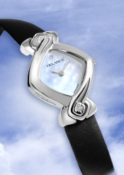 Win this Swiss watch, your perfect feminine Christmas gift!