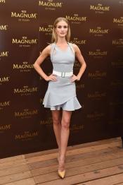 La top model Rosie Huntington-Whiteley au Festival de Cannes