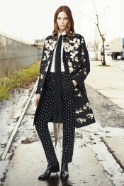 Givenchy Pre Fall 2015, a modern dramatic chic touch