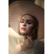 Vanessa Paradis and Johnny Depp's Daughter has her first fashion shoot
