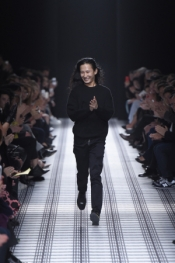 Alexander Wang leaves Balenciaga