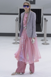 The land of pragmatic fantasy for Chanel Spring 2016 collection