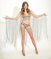 450000 crystaux pour une tenue Victoria Secret