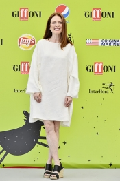 Julianne Moore inspirational speech at The Giffoni Youth