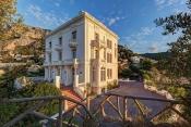 Les Propriétés de Karl Lagerfeld a Monaco, Au Vente Aux Enchères