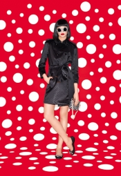 Yayoi Kusama pour le lookbook  Louis Vuitton