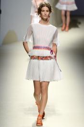 Alberta Ferretti Spring 2014 Fashion Show
