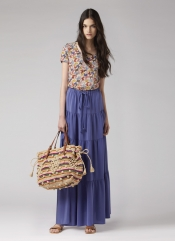 Long skirt and big bag